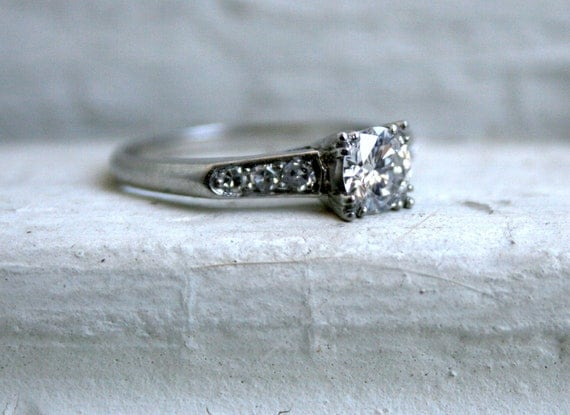 Truly Amazing Vintage Platinum Diamond Engagement Ring.