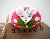 Felt mouse hair clip- great christmas gift by Miki