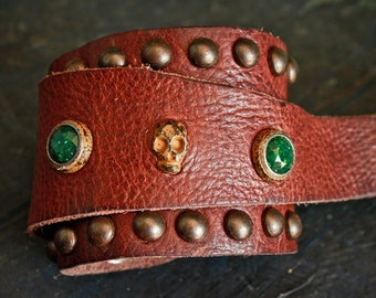 LORENZO COUNTRY Calf leather cuff with a skull, hard stones and studs - Handmade in Italy - High quality italian vegetable tanned  leather