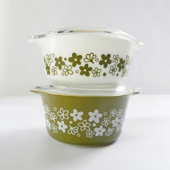 Crazy Daisy - Spring Blossom Covered Casserole Duo - Bright and Shiny - Excellent