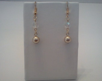 Dangle Earrings Gold Accented Glass Pearl Crystal Bead Free US Shipping