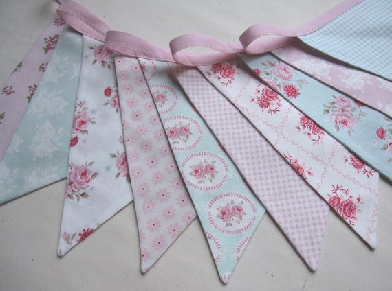Shabby Chic Bunting - TILDA in pink and aqua - 10 flags, 9ft long. Perfect for parties, home decoration or photo's.