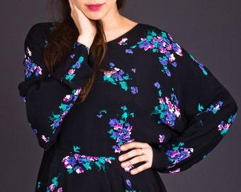 SALE 50% OFF 80s Vintage Floral Print Tunic in Black