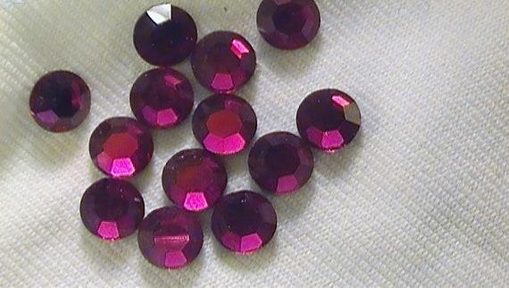 SALE Ruby 2028 Swarovski Elements Rhinestones, 20ss Hot Fix  36 pieces