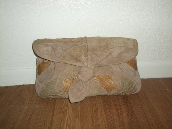 19 Dollar SALE: Vintage Beige and Tan Snake Skin and Suede Leather Patchwork Clutch Bag Purse Clemente 80s