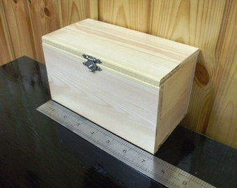 Unfinished Plain Natural Hinged Wood Box