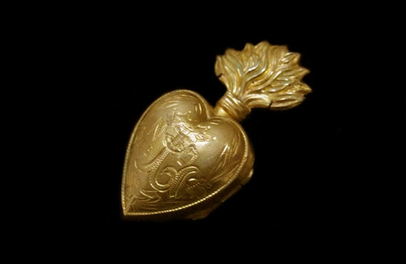 Victorian Ex Voto Flaming  Heart Reliquary Locket Pendant Collectable
