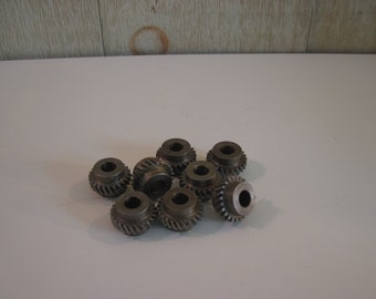 8 Pieces - Gears and Sprockets - Sprockets and Gears - Steampunk Assemblage - Industrial Parts