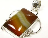 GIFT....NEW Carmel Banded Agate Silver Pendant 1 5-8 inches