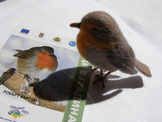 Redbreast Robin little felted cute bird (Erithacus rubecula) for collectors - in grey, orange, light brown and beige