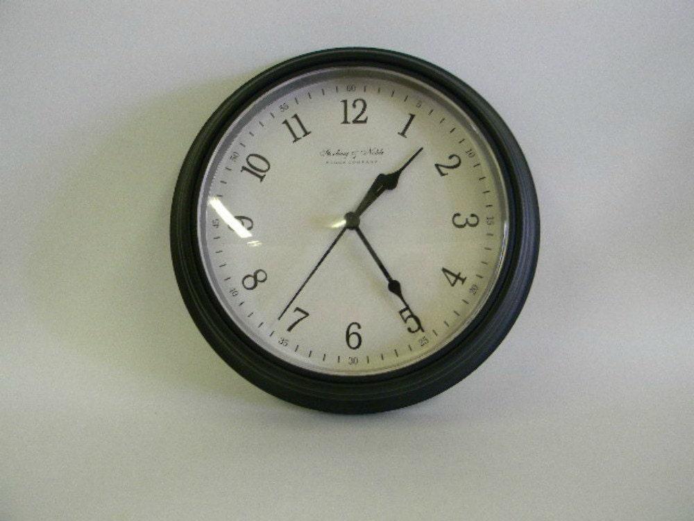 Vintage Sterling Amp Noble Quartz Round Wall Clock Black