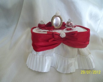 Price reduced!Dollhouse Miniature Vanity one inch scale