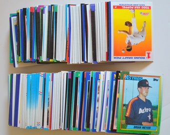 Vintage Baseball Cards Mystery Lot 1980s 1990s Teams Topps Score Donruss Fleer... 390 Cards great condition. Colorful DIY Decor!