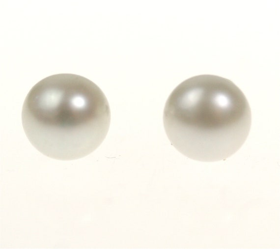 Vintage Pearl Studs / Earrings on Sterling Silver, 8mm White Bridal / Wedding