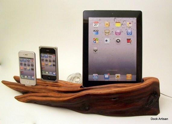 Dual iPhone Dock with iPad Dock ICN202