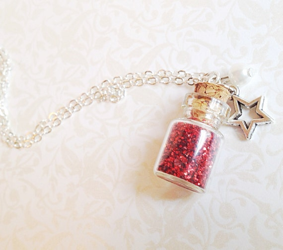 Love Dust Necklace. Teeny Bottle. Silver Star. Pearl. Silver. Vintage Style. Love Potion Necklace. Valentines Day. Whimsical. Gifts for Her.