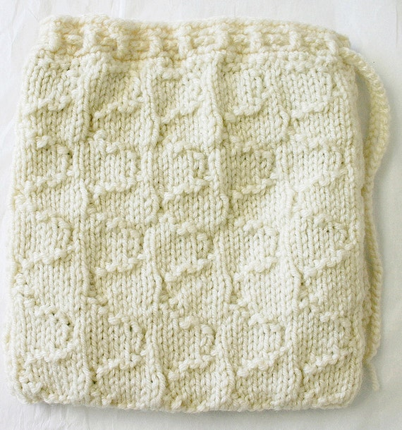 Ecru White Knitted Drawstring Pouch- Antique White- Patterned Knit Accessory Bag- Green Plaid Lining