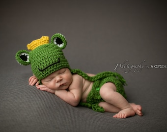 Newborn Prince Frog Hat with Earflap - Photo Props, Photography Props, Boys, Halloween Costume, Outfit