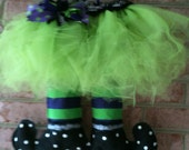 Halloween Witch's Feet With Green Skirt  canvas door hanger