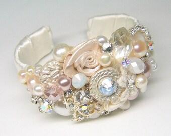 Bridal Cuff Bracelet-Wedding Statement Bracelet- pink pearl Bracelet- Bridal Jewelry-Blush accessories- Blush bracelet Wedding cuff bracelet