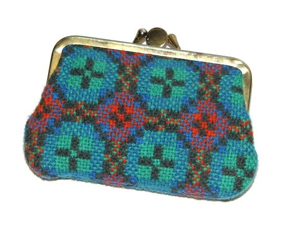 Vintage 60s Multicolor Welsh Tapestry Kisslock Coin Purse- Made in Wales