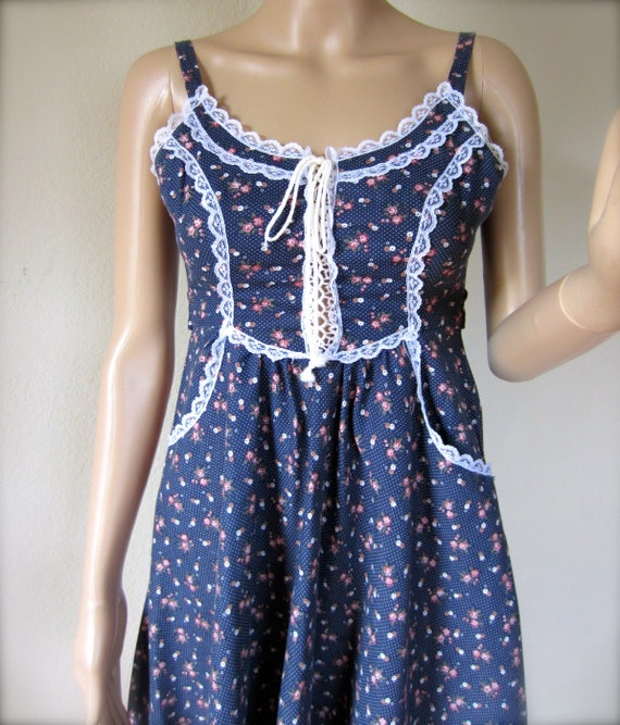 Vintage Gunne Sax Small House on the Prairie Dress 70s