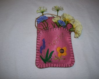 HERBS flower pocket in felt