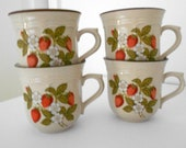 Teacups Newcor Stoneware Japan Susanne Pattern Strawberry Cups