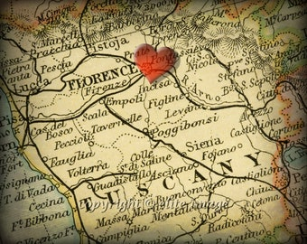 8x10 MAP of FLORENCE Italy with a Heart Shape with a Grunge Vintage Border - 8x10 Photograph