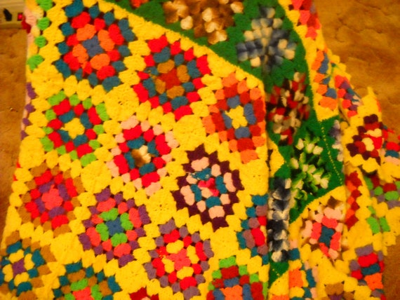 Afghan, Throw, Blanket, Bedding, 1980s, Granny Squares, Yellow, Reds, Blues, Crochet, Cottage Chic, Country