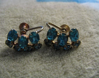 Beautiful Vintage Teal Stone Screw Earrings