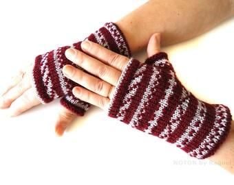 Short Grey and Bordeaux Fingerless Knit Gloves