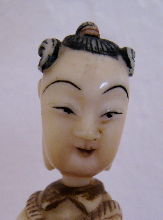 Reserved for Kevin Japanese Netsuke Ivory snuff bottle vintage hand carved and hand painted.
