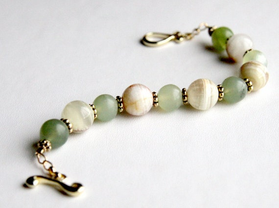 Serpentine and gold bracelet - natural green and cream serpentine stones