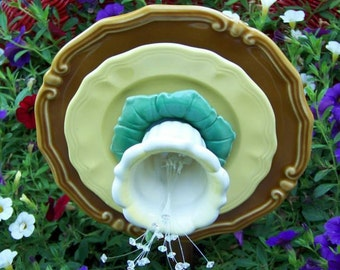 3D Yellow butter cup and 3D Yellow rose flower plates