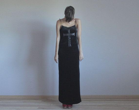 r e s e r v e d Black velved cross gothic maxi dress