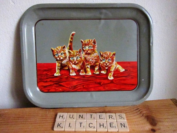 Small 50s serving tray with kittens