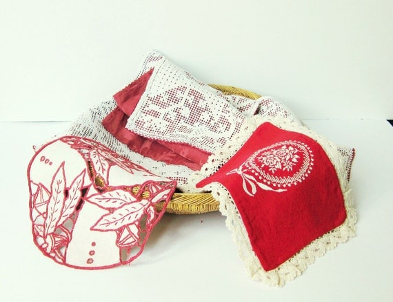 4 vintage & french doilies - red - crochet  - Shabby chic