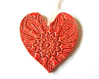 Valentine's Day Red Heart Valentine Ornament Wedding Gift Vintage Lace Pattern Ceramic Red Flower Plate  Organza Ribbon