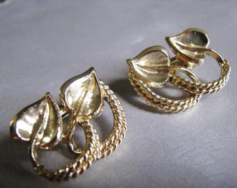 Coro Clipon Earrings - Vintage Goldtone Leaf Earrings