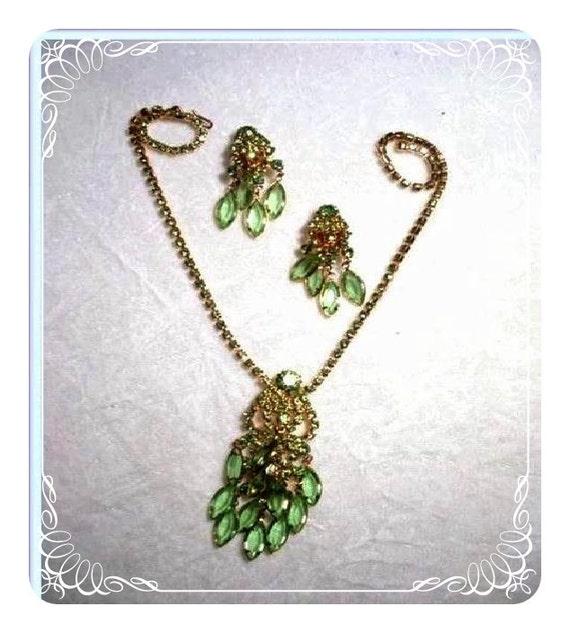 Jaunty Sizzlin Cha Cha Green Bezel Set Glass Stone Demi  1576ag-021410000