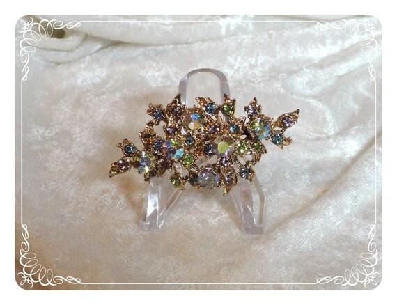 Floral Brooch - Rhinestones Delightful Chic  1009ag-121611000