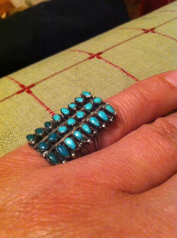 Zuni Pettipoint Vintage Sterling and Turquoise Ring : Size 5 1/4