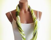 Green infinity Scarf, Woman Scarves, Fashion Woman Accessory, Crochet infinity Scarf... Scarf necklace, loop scarf