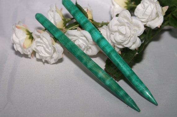 Green dyed Curly Maple 5 inch hair sticks/hair toys (6)
