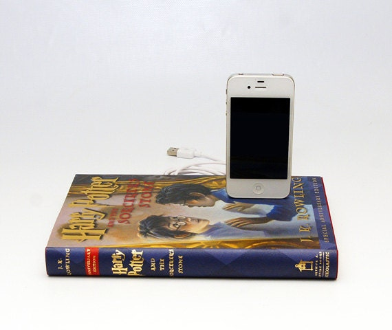 Harry Potter and the Sorcerer's Stone Special Anniversary Edition Book Dock for iPhone and iPod