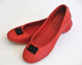 SALE 40% off. FLIRT. Size 7.5 Red flat shoes.