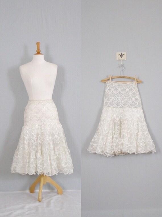 Vintage White Petticoat /  50s Lace Petticoat  /  Ruffle Skirt