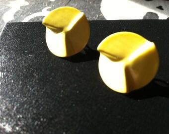 Vintage 1980s yellow stud earrings