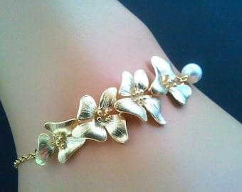 Gold Orchid Charm Bracelet, Friendship Bracelet - Wedding bracelet, Bridesmaid, Wedding jewelry, White Pearl